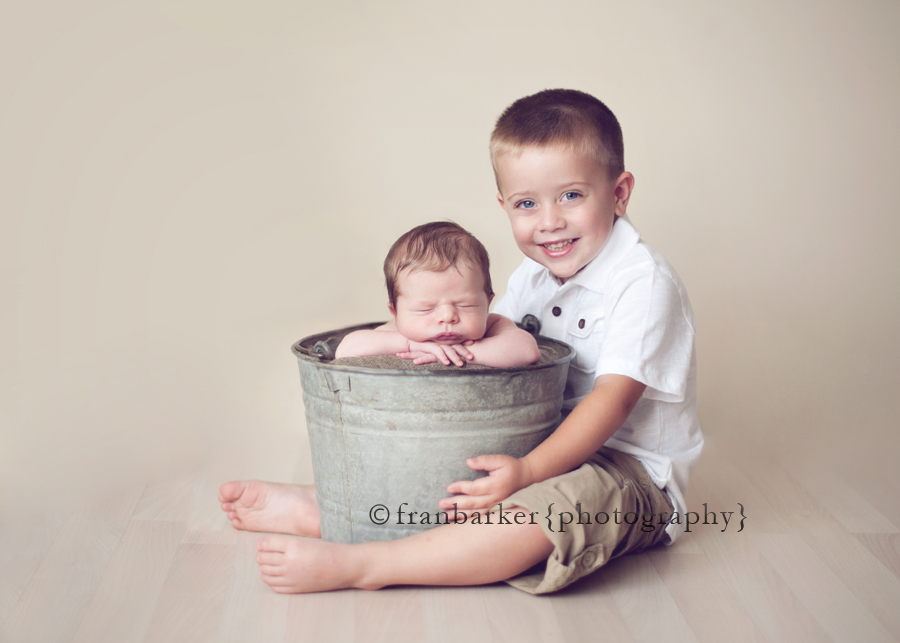 Ohio newborn and sibling pictures